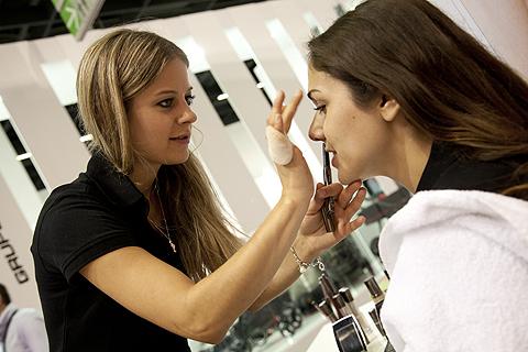 Daniela Eisod schminkt bei Recaro