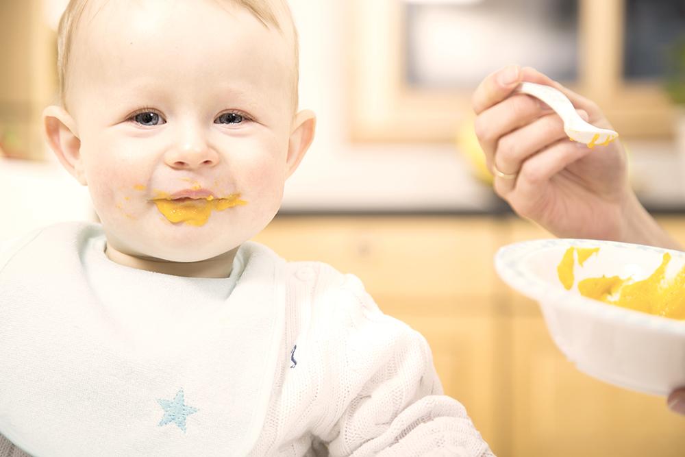 Brei füttern Babyviduals